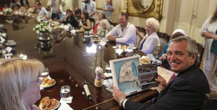 Alberto Fernández recibió en Casa Rosada a los organismos de Derechos Humanos   El Diario 24