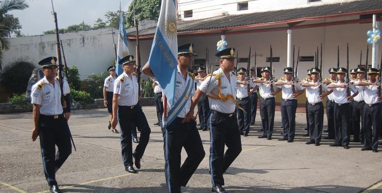 Hay 304 tucumanos que quieren ser policías pero solo 50 cupos para el ingreso a la Escuela | El Diario 24