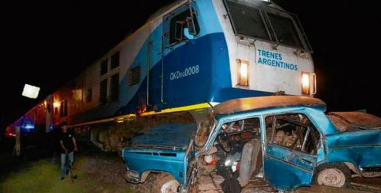 El tren Retiro-Tucumán embistió a un auto en Rafaela y murió un joven de 16 años | El Diario 24