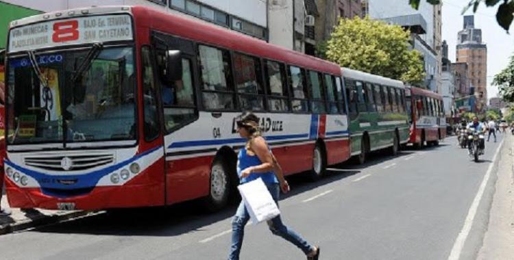 Finalmente UTA aceptó una propuesta y habrá colectivos este fin de semana en Tucumán   El Diario 24