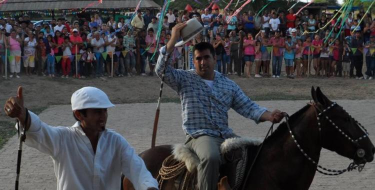 Salavina tiene este domingo las tradicionales trincheras de carnaval   El Diario 24