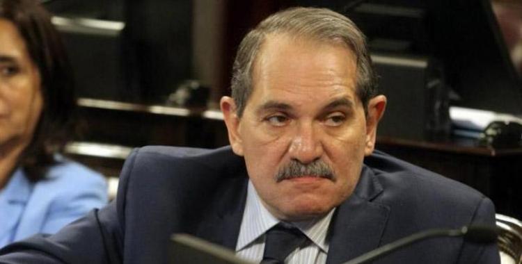 El senador Alperovich, acusado de abuso, pidió extender su licencia por noventa días | El Diario 24