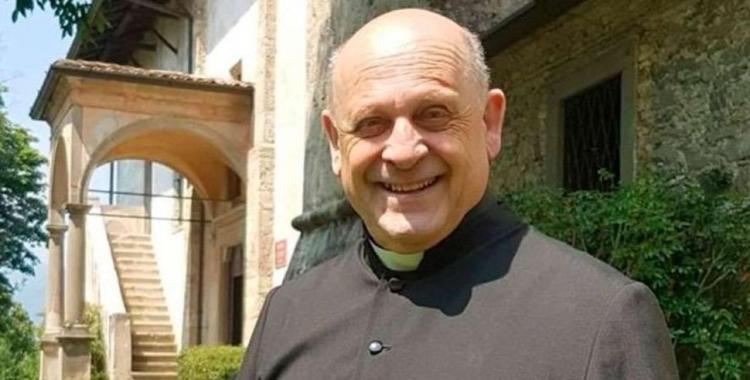 Un sacerdote muere por coronavirus tras ceder su respirador a infectados más jóvenes | El Diario 24