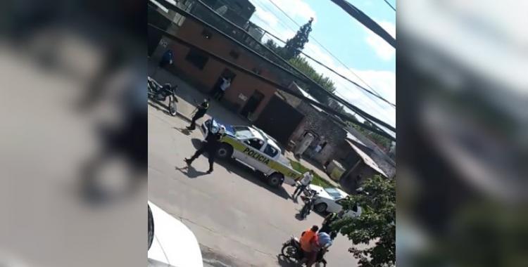 VIDEO: la Policía  dispara contra motociclistas en pleno control para hacer respetar la cuarentena | El Diario 24