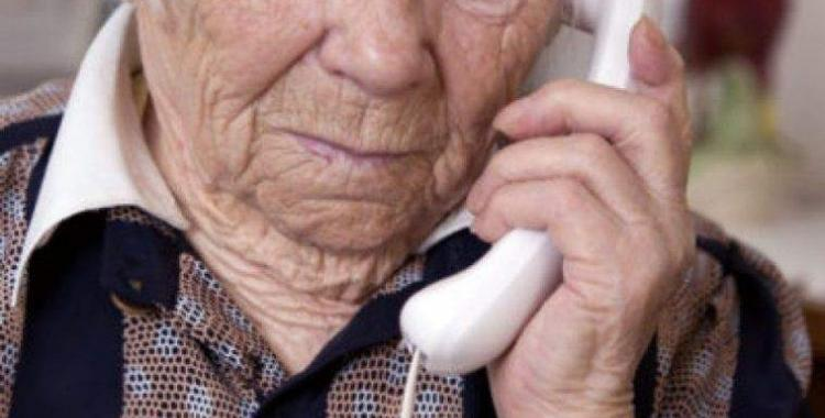 Advierten por el aumento de estafas telefónicas a personas mayores: cómo evitar caer en el cuento del tío | El Diario 24
