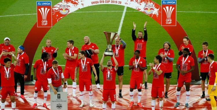 Fútbol: Así se festeja un campeonato con distancia social | El Diario 24