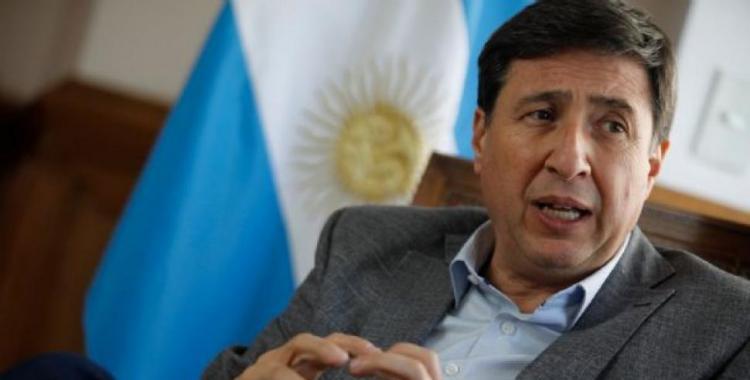 El ministro Daniel Arroyo tiene coronavirus: así lo confirmaba en las redes | El Diario 24