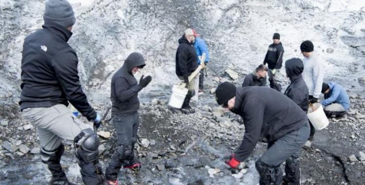 Encuentran restos de pasajeros y tripulantes de un avión que cayó en una montaña hace 68 años | El Diario 24