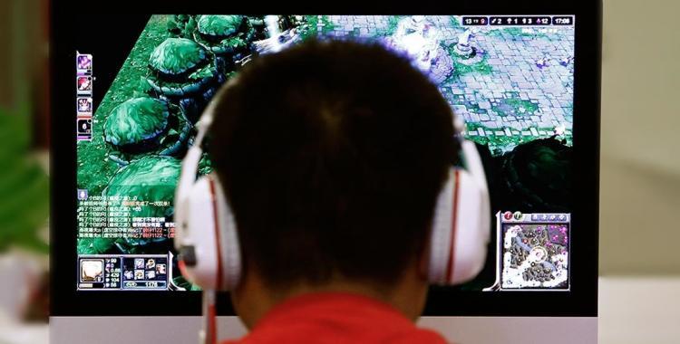 Un adolescente jugó videojuegos 22 horas al día durante un mes y sufrió un derrame cerebral   El Diario 24