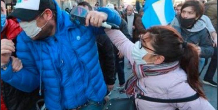 Agresión a C5N: la mujer que defendió al movilero en la marcha terminó imputada | El Diario 24