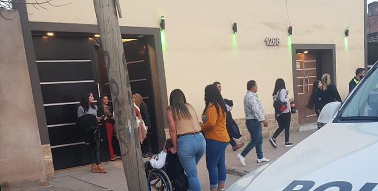 Realizaban una fiesta clandestina, clausuraron el salón y desalojaron a 80 personas   El Diario 24