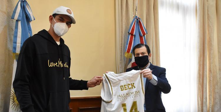 Gabriel Deck volvió a Santiago, visitó al gobernador y oficializó su Fundación en Colonia Dora | El Diario 24