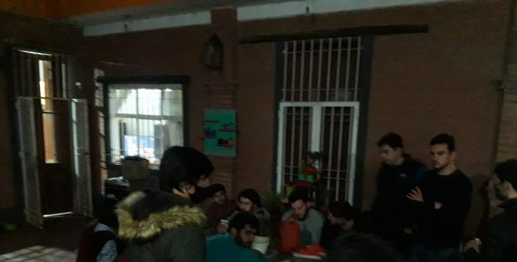 Festejo por el Día del Amigo terminó con 16 jóvenes detenidos | El Diario 24