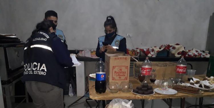 Celebraban un cumpleaños de 15 y llegó la Policía: 9 invitados quedaron aprehendidos   El Diario 24