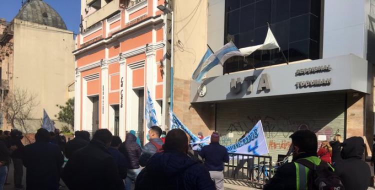 Empleados Autoconvocados del Transporte protestan y le piden a UTA iniciar un paro | El Diario 24
