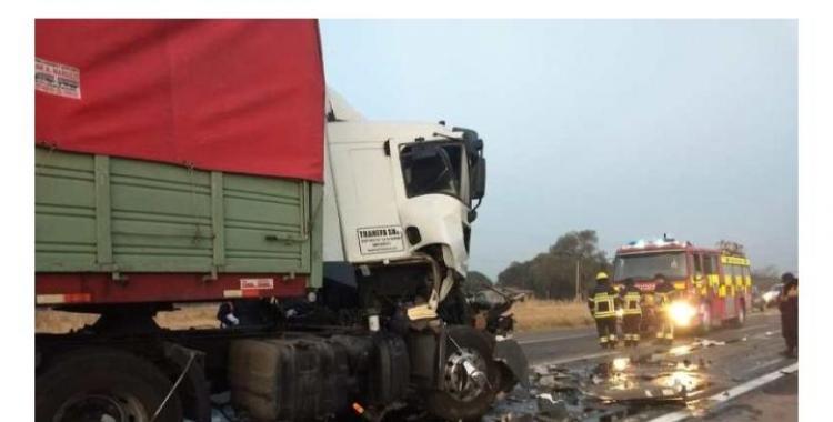 Camionero tucumano chocó desde atrás a otro camión y quedó atrapado en la cabina | El Diario 24