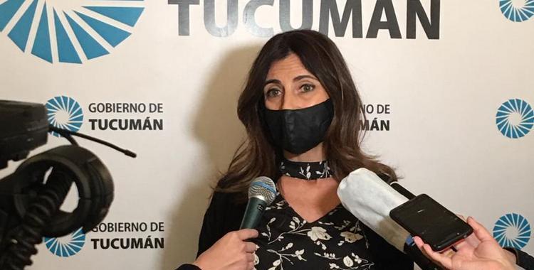 Carolina Vargas Aignasse: Tenemos que cuidarnos, porque la curva de contagios se disparó   El Diario 24