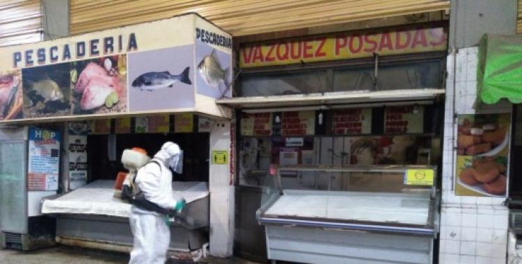 Además del Mercado del Norte, desinfectaron distintos edificios municipales para prevenir la propagación del coronavirus   El Diario 24