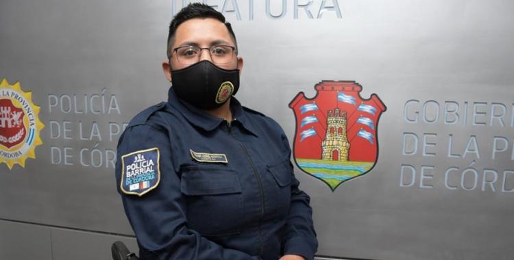 Es trans y logró que le dieran su credencial de funcionario policial con su nueva identidad | El Diario 24