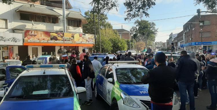 VIDEO: ¡Que venga Berni!, a gritos, la policía bonaerense pide ser atendida por el ministro de Seguridad   El Diario 24