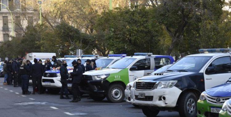 Cuánto ganan y cuánto piden los efectivos de la Policía bonaerense   El Diario 24