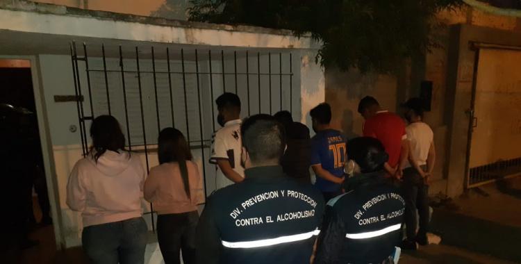 Pasan a disponibilidad a 8 gendarmes que fueron detenidos participando de una fiesta clandestina | El Diario 24