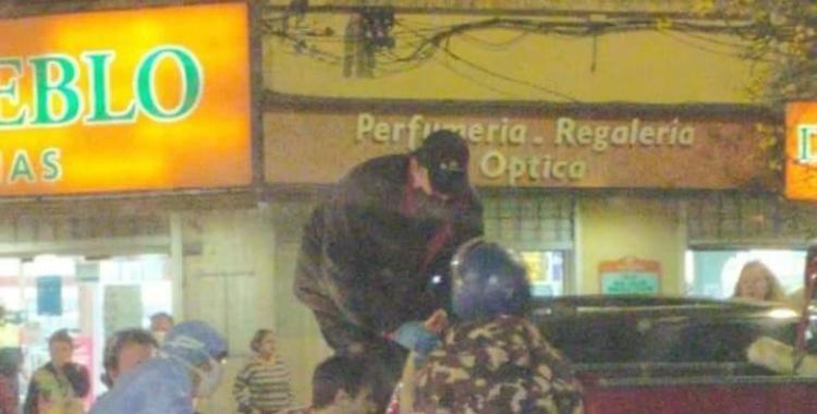 Motochorros asesinan de un disparo en la cabeza a una mujer y se llevan medio millón de pesos | El Diario 24