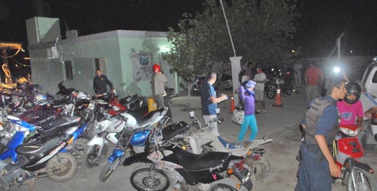 Detienen a un agente de policía y buscan a una gestora por entrega irregular de motos secuestradas | El Diario 24