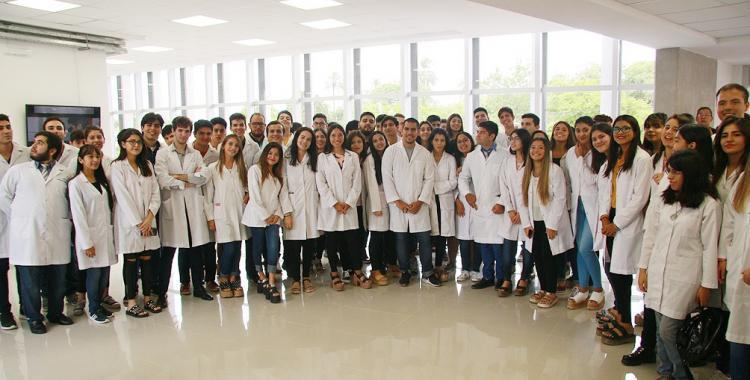 Santiago: estudiantes de Medicina le darán pelea a la pandemia conteniendo a pacientes   El Diario 24