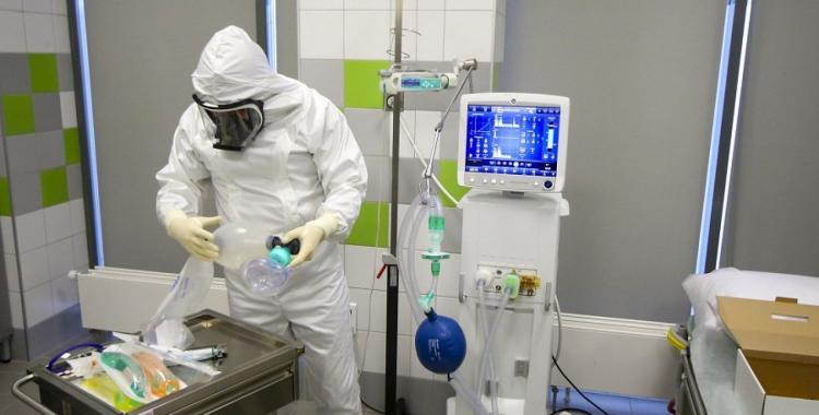 Grave: preocupa la escasez de medicamentos para asistir a pacientes en respirador | El Diario 24