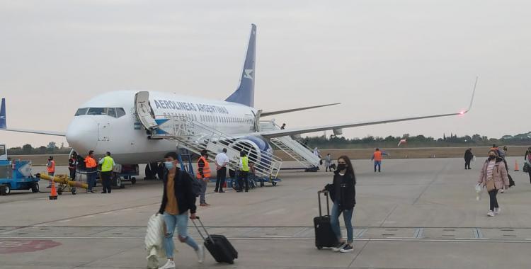 Así fue la llegada del primer vuelo a Tucumán y los protocolos que se siguieron | El Diario 24