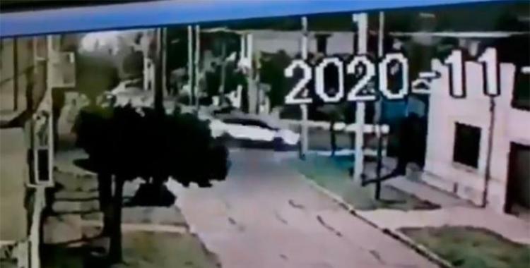 VIDEO: Impactantes imágenes del accidente en el que el futbolista Fernando Tobio provocó la muerte de una mujer | El Diario 24