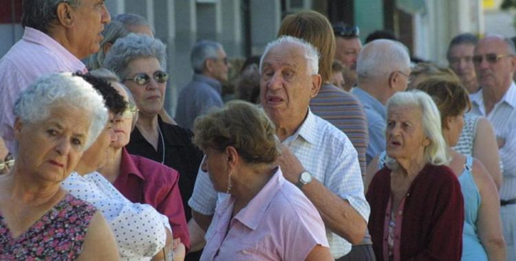 Analizan implementar un bono extraordinario de fin de año para los jubilados | El Diario 24