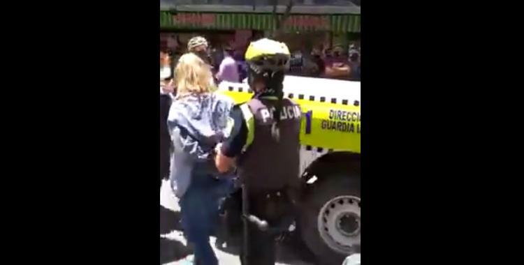 VIDEO Otra vez una mechera robó en el microcentro y a horas de haber sido demorada ya está libre | El Diario 24