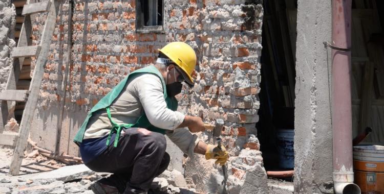 Un rayo destrozó su casa y este jueves recibió la ayuda que necesitaba   El Diario 24