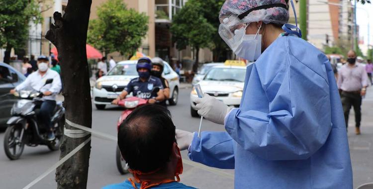 En lo que va del viernes, Tucumán lamenta 7 muertes por coronavirus y 412 casos | El Diario 24