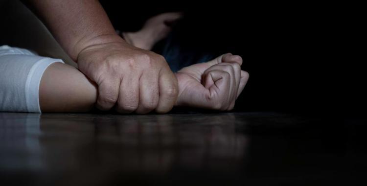 Una joven de 19 años denunció que despertó y su padre estaba intentando abusarla sexualmente | El Diario 24
