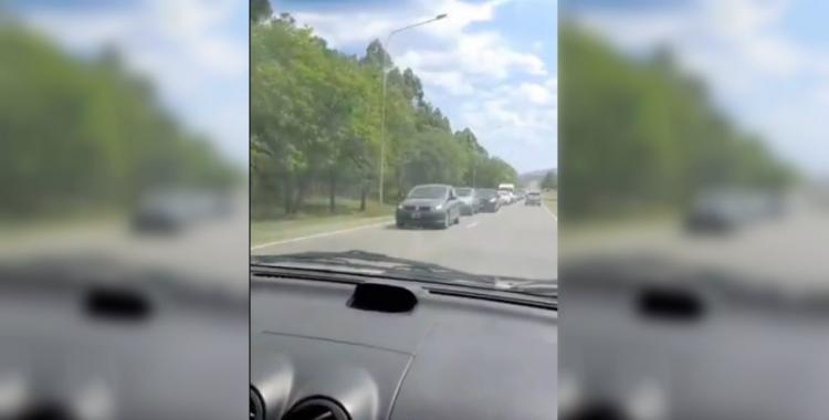 VIDEO: interminable fila de vehículos para ingresar a El Cadillal | El Diario 24