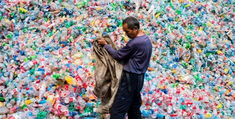 Por qué el 24 de noviembre es el Día del Trabajador Plástico | El Diario 24