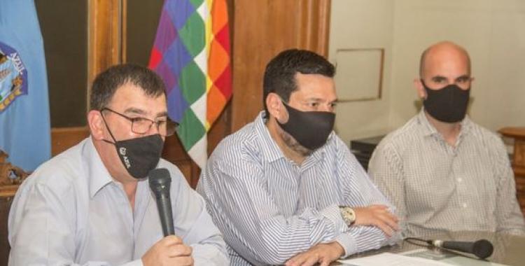Harto de las inconductas, el intendente de un municipio decretó el toque de queda   El Diario 24