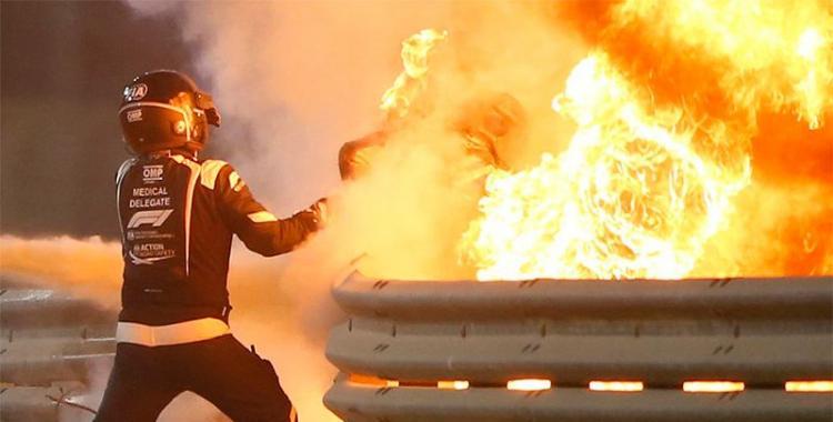 VIDEO Un piloto de Fórmula 1 se salvó de milagro al chocar y prenderse fuego su automóvil | El Diario 24