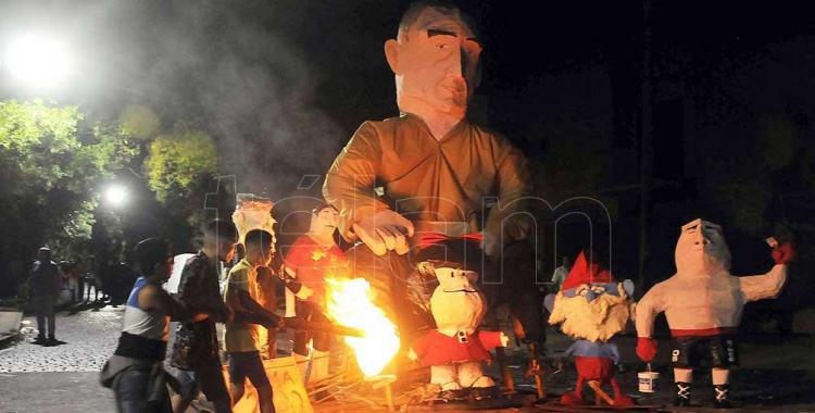 La Plata: Diego Maradona, la figura más elegida para la quema de muñecos de Año Nuevo   El Diario 24