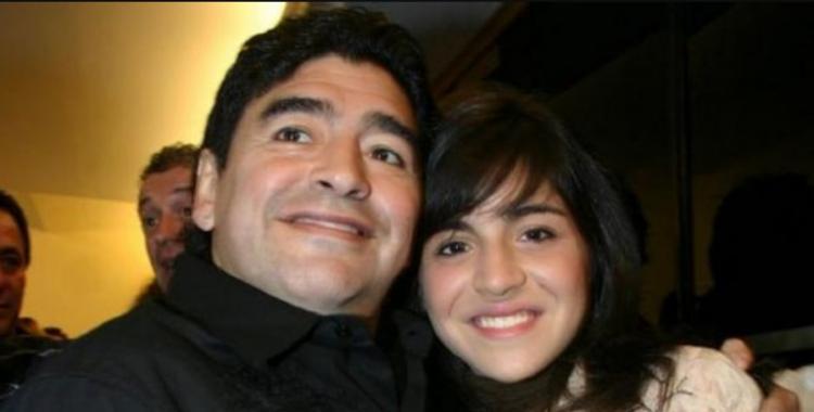 No culpen a mi papá por los contagios, pidió Gianinna Maradona por el concurrido velorio de su padre | El Diario 24