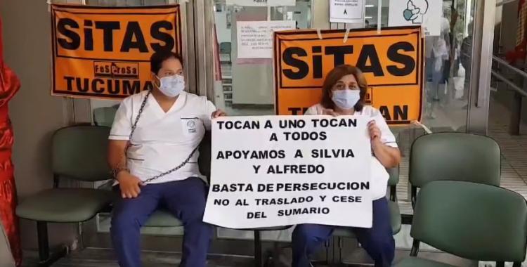 VIDEO Encadenados en el Centro de Salud, enfermeros se suman al reclamo y quite de colaboración en hospitales tucumanos | El Diario 24