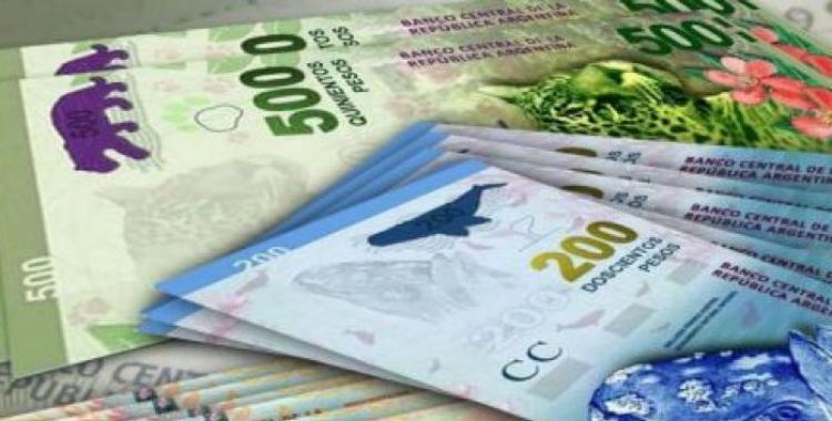 Un empelado metalúrgico encontró dinero en la ruta 9 y busca a su dueño por Facebook para devolverlo | El Diario 24