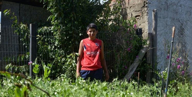 Tiene 16 años y logró armar su huerta para poder alimentar a su familia | El Diario 24