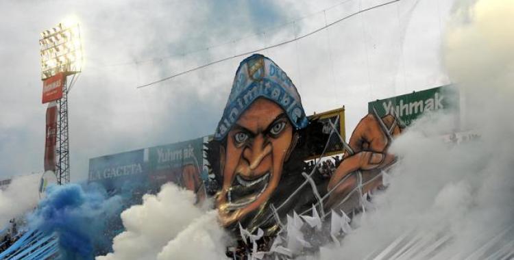 La hinchada de Atlético Tucumán quiere tener la bandera más grande del norte | El Diario 24