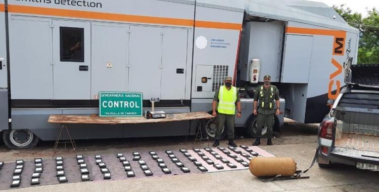 Dos hombres y una mujer transportaban 93 kilos de cocaína desde Jujuy a Tucumán y cayeron presos | El Diario 24