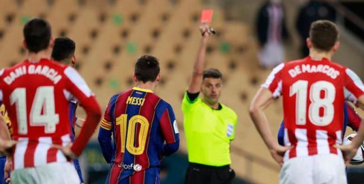 Dura sanción para Lionel Messi por la agresión a un rival en la final perdida contra el Athletic Bilbao | El Diario 24