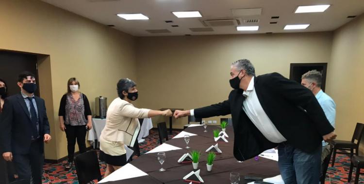 Reunión entre Horacio Pietragalla Corti y la concejala que fue detenida en Formosa: Confío en que no nos dejarán solos   El Diario 24